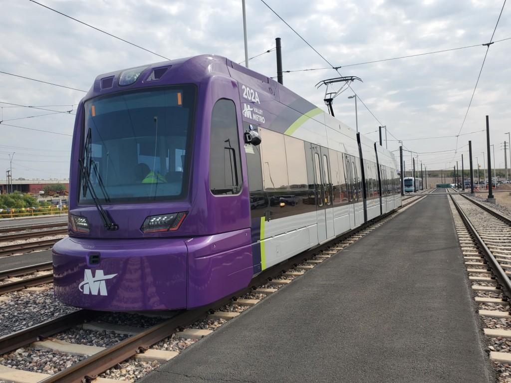 deliver 14 light rail trains to phoenix