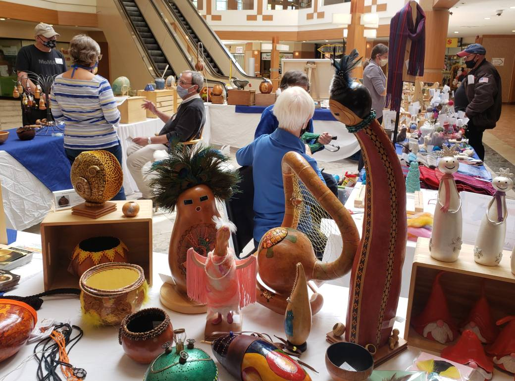 Click to play video 'Masked Artisans Market offers socially-distanced craft sale'