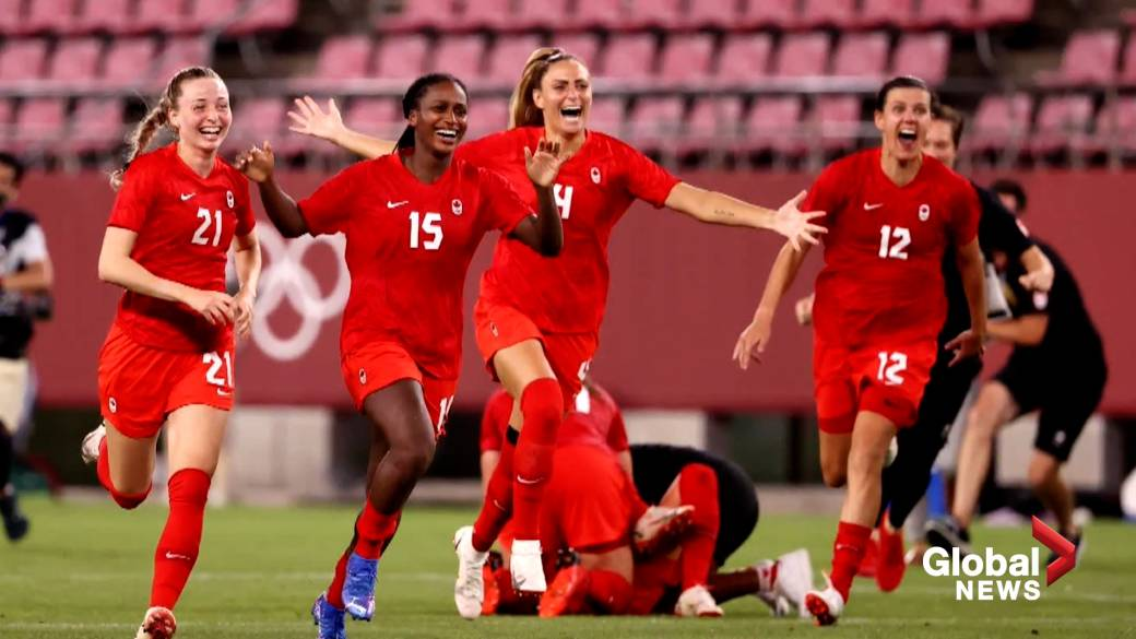 Click to play video: 'Tokyo Olympics: Canada defeats U.S. 1-0 in women's soccer'