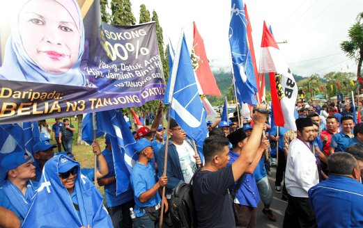 Image result for Tanjong Datu folk have been reminded not to be complacent that Barisan Nasional