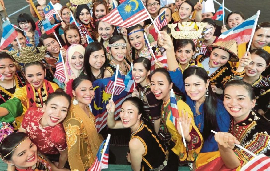 While traveling to Malaysia you will notice that it has not much to offer. In fact, Malaysia is rich in multi-cultural ethnicity & it is very common to find Churches, Mosques, Indian Temples