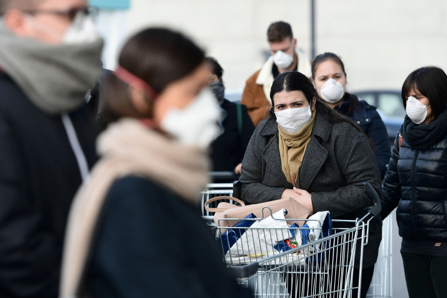 Italy Covid-19 cases surpass 100 as towns put on lockdown | New ...