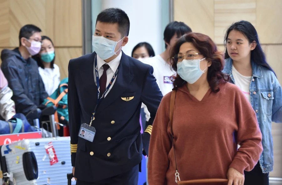 Coronavirus in Australia: Anxiety in Melbourne as face masks sell ...
