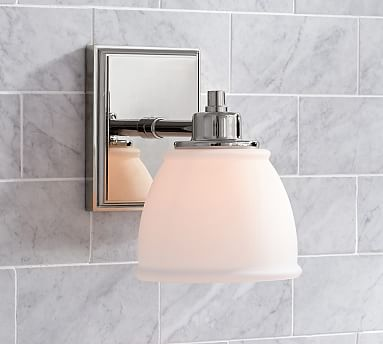 hayden single traditional sconce