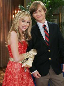 Transformare Remarcabila Pentru Fratele Lui Miley Cyrus