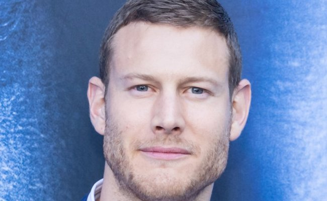Tom Hopper 14 Facts About The Umbrella Academy Star You