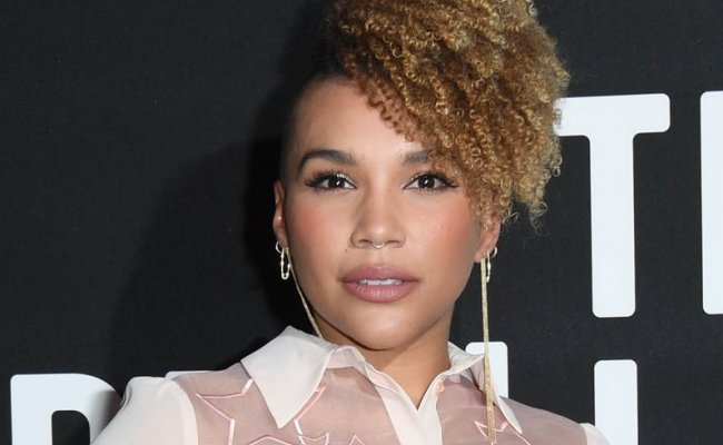 Emmy Raver Lampman 9 Facts About The Umbrella Academy