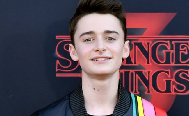Noah Schnapp 15 Facts About The Stranger Things Actor You