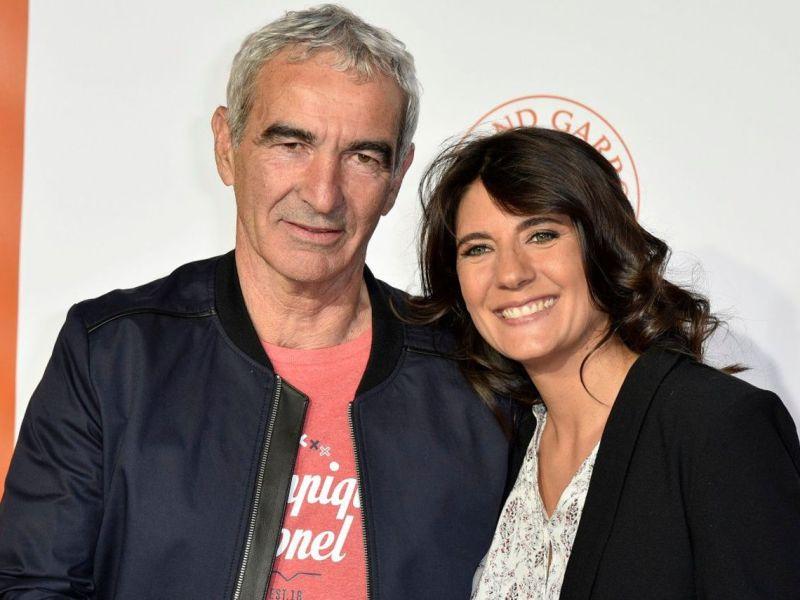Estelle Denis bientôt mariée à Raymond Domenech? Elle répond