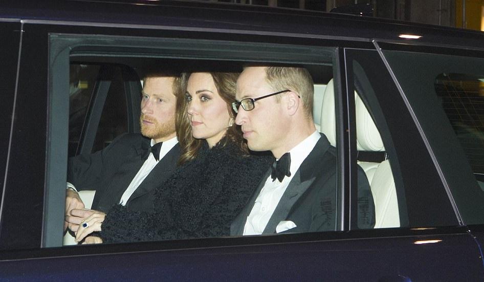 Meghan Markle absente de l\u0027anniversaire de mariage de la reine  La petite  amie