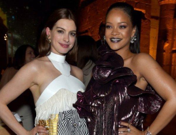 Rihanna adore les fesses de Anne Hathaway !