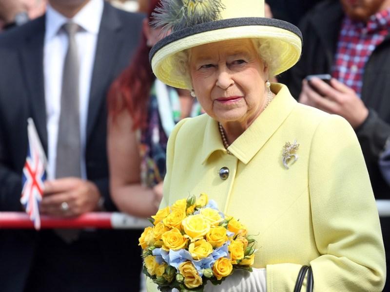 Elizabeth II affaiblie : le gouvernement britannique pense déjà au deuil national