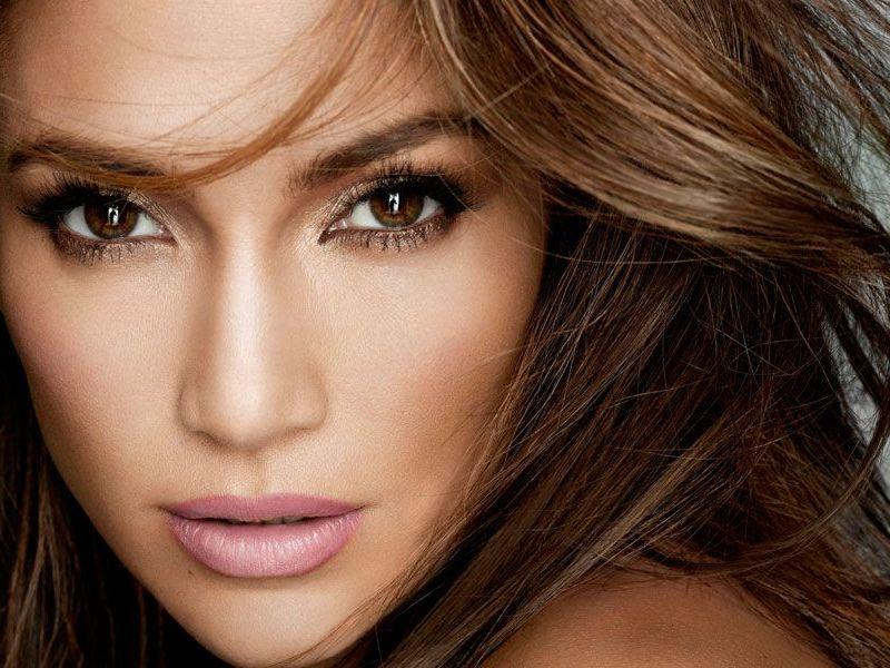 Jennifer Lopez : Son sosie russe affole la toile