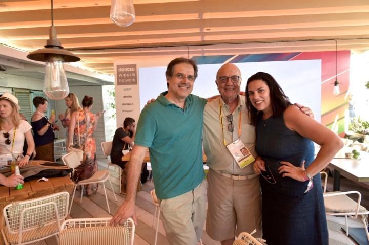 Abel Reis (Dentsu), Armando Ferrentini (Editora Referência), e Marina Tunes (Dentsu)