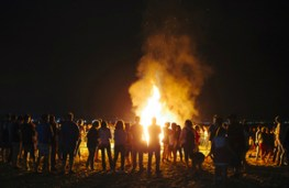 Government backs 'Great British tradition' of Bonfire Night - GOV.UK