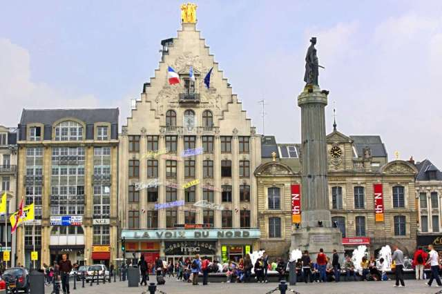 LILLE PLACE CHARLES DE GAULLE - Play Jigsaw Puzzle for free at Puzzle Factory