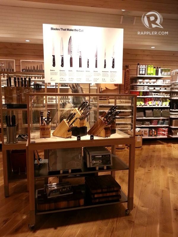 Crate and Barrel Store