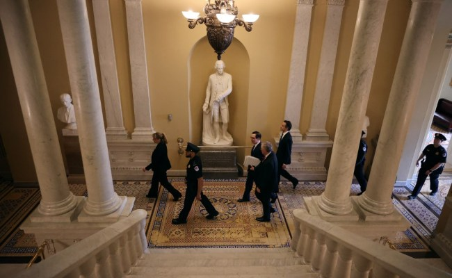White House Senate Agree On 2 Trillion Coronavirus