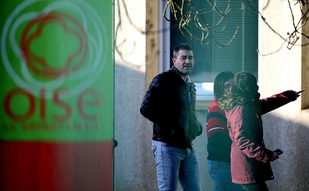 France shuts dozens of schools in bid to contain coronavirus