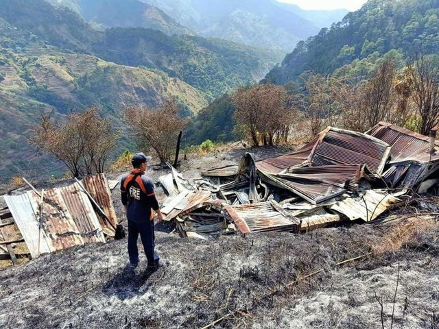 Razed to the ground. Ruins of the fire in the village of Anchokey. Photo courtesy of Kabayan BFP