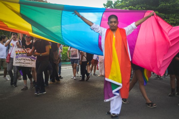 Pride March 2017 Pushes Solidarity With Lgbtq Community