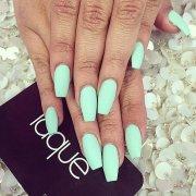 nail color spring