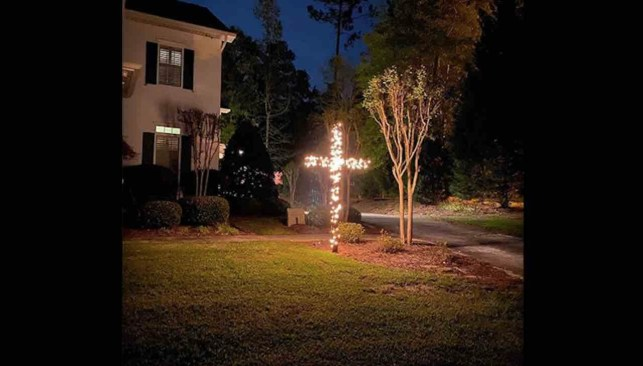 Left-wing Newsweek calls out conservative radio host Erick Erickson for 'burning cross' in his yard. They're Christmas lights.