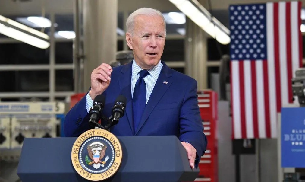 Biden accused of 'sickening' comments about young girl, including her legs: 'Looks like she's 19'