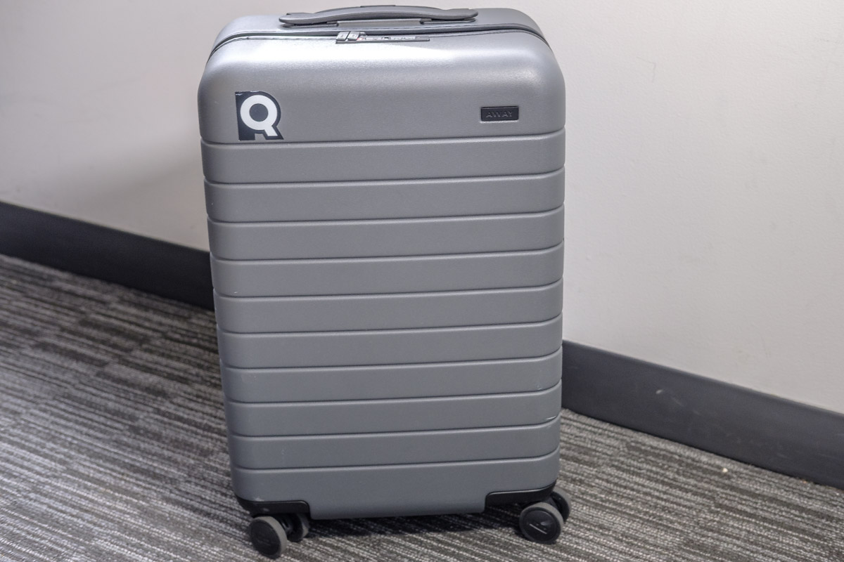 2019 away luggage review