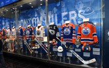 Gretzky Unveil And Oilers Hall Of Fame Rogers Place