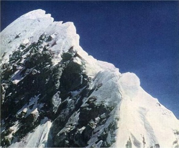 Everest_summit_medium