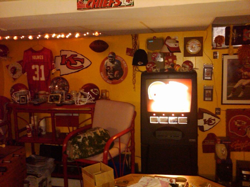 Lots Of Decorating Tips For Your Next Chiefs Room