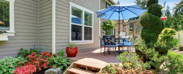 budget-friendly backyard landscaping