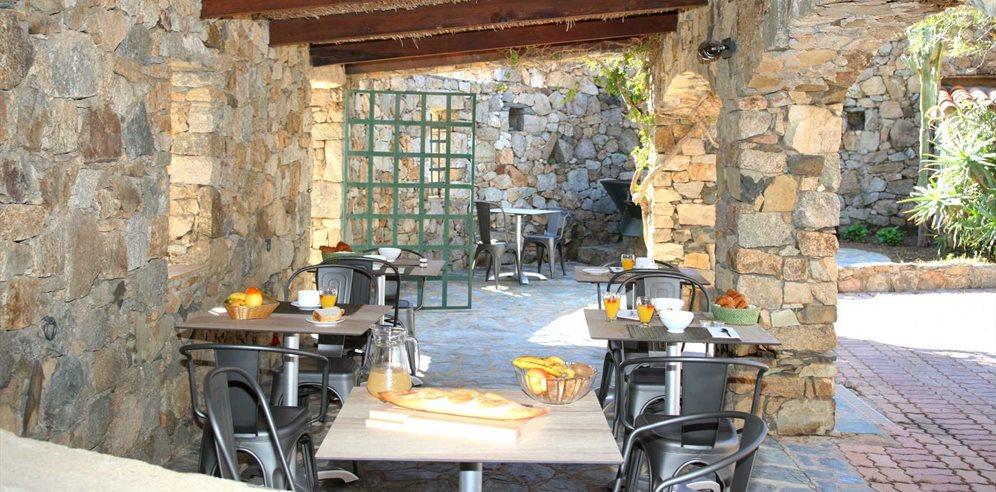 Hotel Casa Rossa  Cheap Holidays to Hotel Casa Rossa L