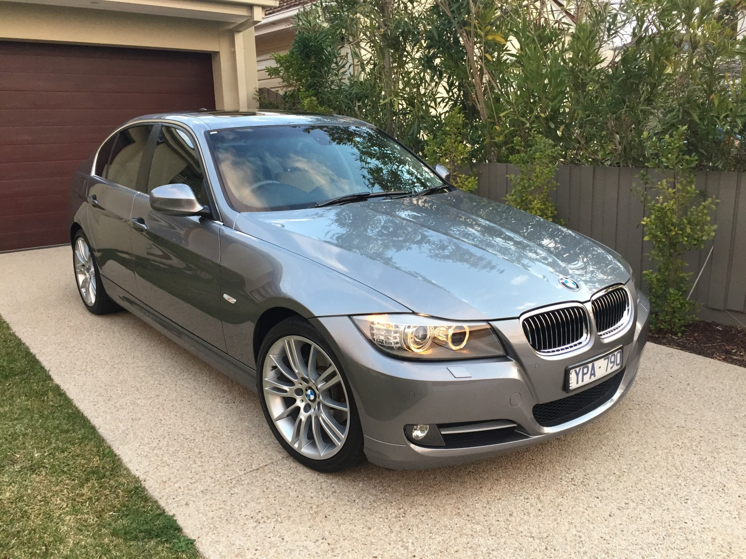 During the quote, you'll learn about. 2011 BMW 320i EXECUTIVE - Candice - Shannons Club