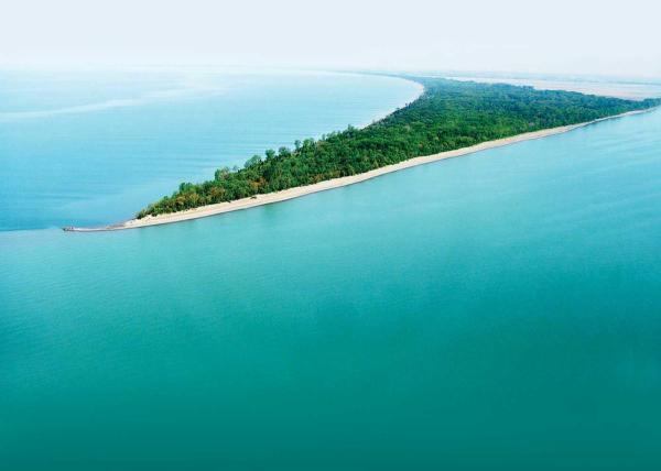 Ontario' Southwest Point Pelee Beach
