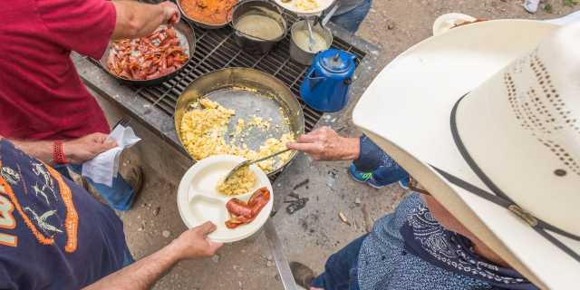 Mayan Dude Ranch, Bandera - Cowboy Breakfast