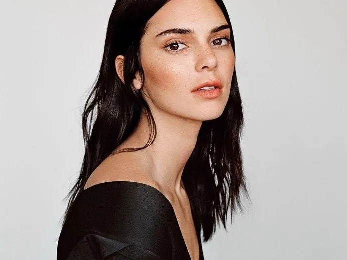 Kendall Jenner: style lessons for the summer, shows your figure with a tiny bathing suit(Instagram)