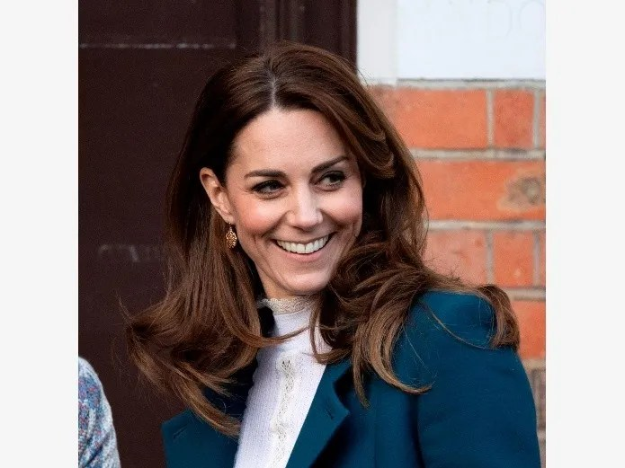 Kate Middleton gives a lecture on how to wear pants and look more elegant than with a dress (PHOTO: EFE)