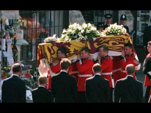 Imagini pentru funeraliile prinţesei Diana