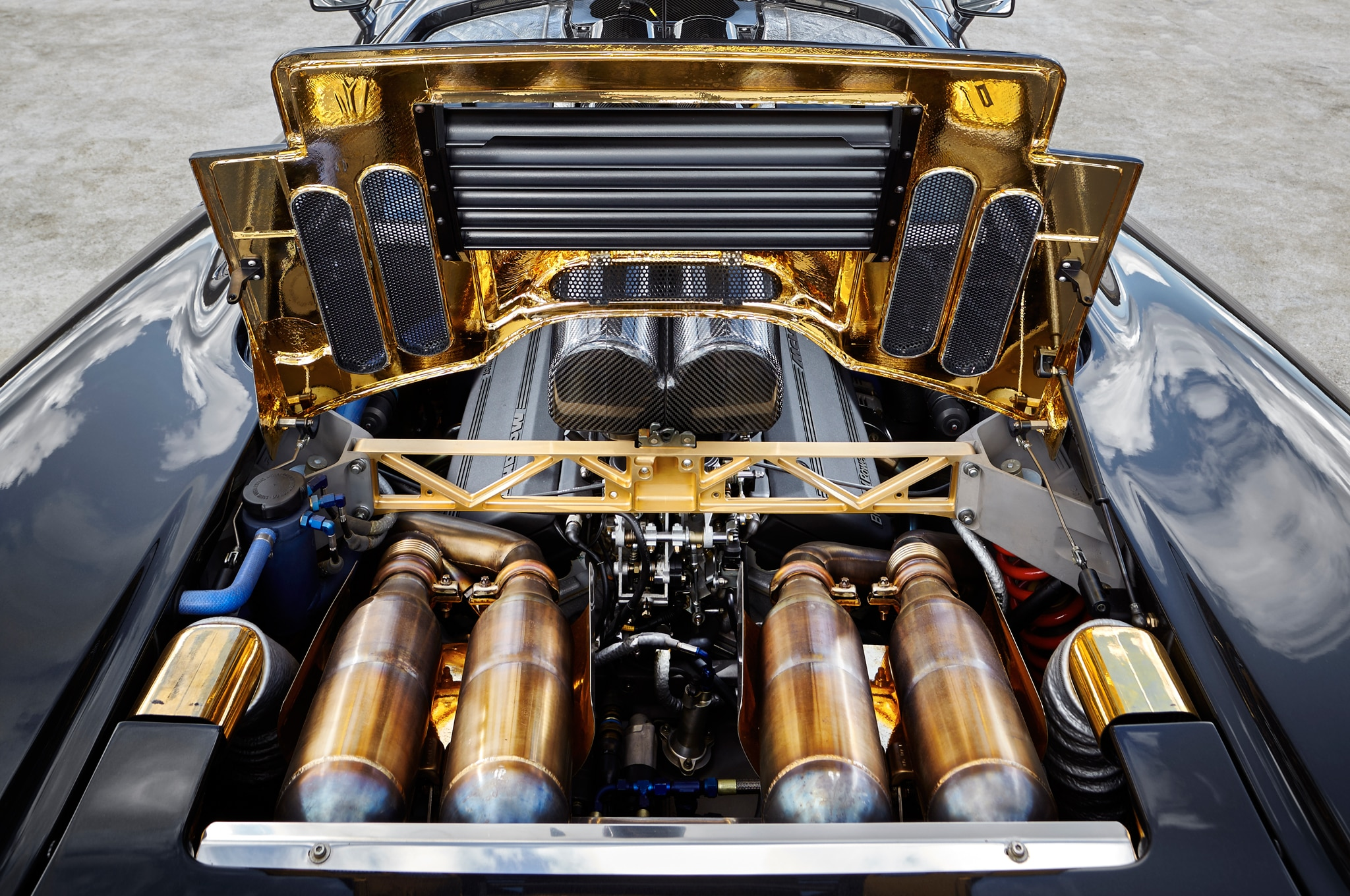 hight resolution of mclaren f1 chassis 069 engine 02