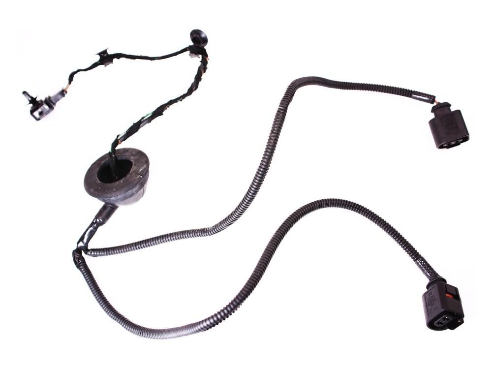 medium resolution of rear license plate lights harness 98 01 vw beetle bumper wiring genuine oe