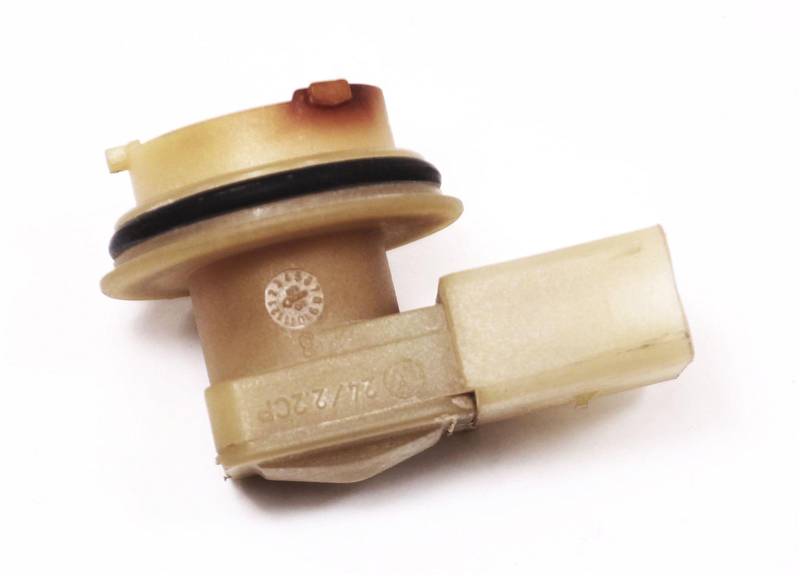 3 pin light bulb 1996 ford explorer stereo wiring diagram taillight socket vw beetle tail lamp holder