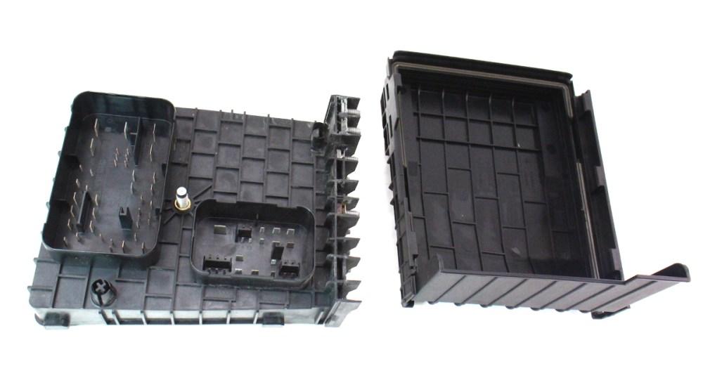 medium resolution of fuse relay block vw jetta gti mk5 2 0t under hood engine srx fuse box 99