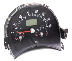 Gauge Instrument Speedometer Cluster 13k 0203 VW Beetle 20 AT  1C0 920 821