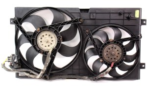Engine Radiator Dual Cooling Fans 9805 VW New Beetle & Shroud  Genuine