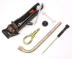 Spare Tire Trunk Tool Kit Jack Lug Wrench 9399 Jetta Golf GTI Mk3 ~ 1H0 011 031