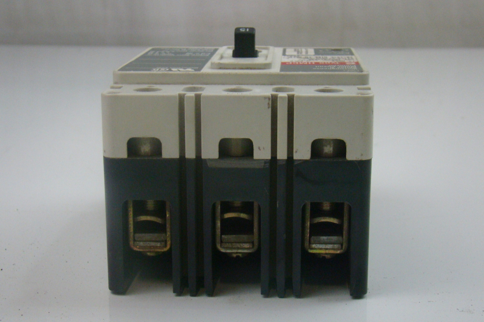 Westinghouse 15 Amp Series C Circuit Breaker Hmcp015e0c