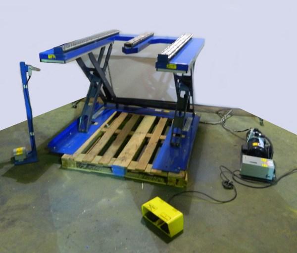 Southworth Roll E2.5 Hydraulic Pallet Lift 120vac Single Phase 2200 Lb Capacity