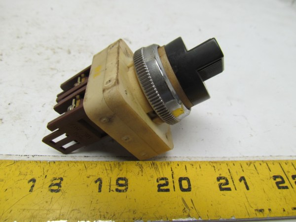 Fuji Electric 2 Position Selector Switch Ah25-p2 10a 600vac for sale online